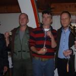 Pehari i medalje u rukama treceplasirane ekipe iz Zepce
